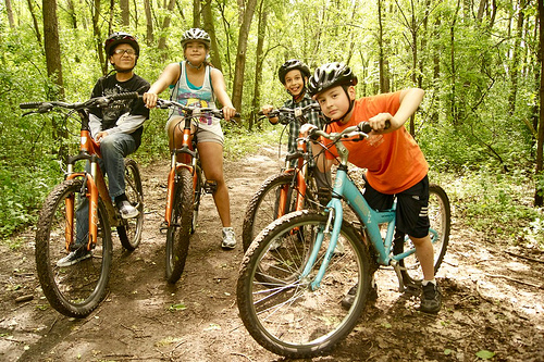 paso a paso group bikes with trips for kids the loppet. Black Bedroom Furniture Sets. Home Design Ideas